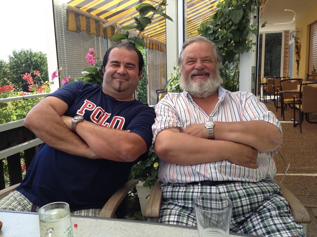 Mit Gerhard Ernst (Der wos zu 100 % aus Österreich ist
